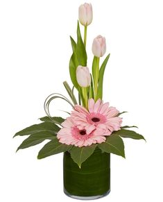 Pretty in Pink Flower Design See the recipe for this pink flower design from OASIS Floral Products the global leader in professional innovative floral foam and supplies. The post Pretty in Pink Flower Design appeared first on Diy Flowers. Contemporary Flower Arrangements, Church Flower Arrangements, Church Flowers, Beautiful Flower Arrangements, Funeral Flowers, Beautiful Flowers, Flowers Garden, Deco Floral, Floral Foam