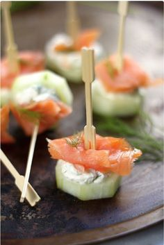 Salmon and Cream Cheese Cucumber Bites Smoked Salmon and Cream Cheese Cucumber Bites—could you imagine how fast these would go at a brunch?Smoked Salmon and Cream Cheese Cucumber Bites—could you imagine how fast these would go at a brunch? Toothpick Appetizers, Cucumber Appetizers, New Year's Eve Appetizers, Cucumber Bites, Easter Appetizers, Wedding Appetizers, Finger Food Appetizers, Appetizer Ideas, Vegan Appetizers