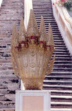 36_najas_à_la_pagode_de_l'empreinte_du_pied_de_boudha