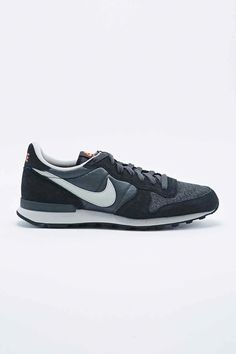 brand new dc093 2415c Nike Internationalist Trainers in Anthracite Grey - Urban Outfitters. Mens  Shoes Hightops