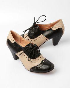 Sophisticated. Nice. Chelsea Crew Jenny Oxford Shoe - Black / Beige