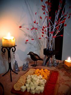 Weirdwood Tree & Crow, GoT Party Decorations