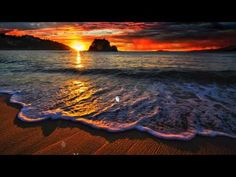 Most Beautiful Photography Of Sunset.It seems to be including absolutely everyone enjoys hunting at interesting sunsets, which is possibly why sunset pictures Waves Wallpaper, Sunset Wallpaper, Nature Wallpaper, Wallpaper Wallpapers, Sunset Beach, Beach Waves, Ocean Beach, Landscape Photography, Nature Photography
