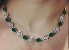 Necklaces Simple Saved by radha reddy garisa Gold Jewelry Simple, Jade Jewelry, Emerald Jewelry, Simple Necklace, Bridal Jewelry, Silver Jewellery, Tiffany Jewelry, Diamond Jewelry, Silver Earrings