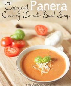 Panera Creamy Tomato Basil Soup I can't believe this takes only 15 minutes to make! Copycat Panera Tomato Basil Soup RecipeI can't believe this takes only 15 minutes to make! Copycat Recipes, New Recipes, Cooking Recipes, Favorite Recipes, Healthy Recipes, Simple Recipes, Healthy Soup, Copycat Soup Recipe, Basil Recipes