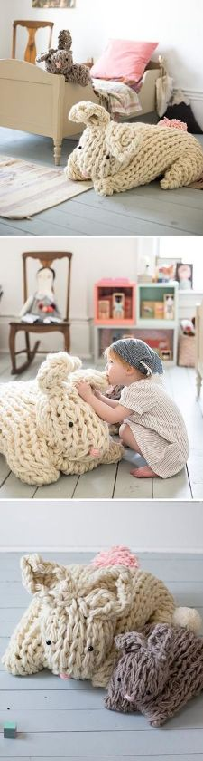 You've probably seen them everywhere: Cozy, chunky knit blankets are really big right now. These giant knit bunnies can be made in just a few hours using an arm knitting technique, which gives these knits their cozy, chunky look.