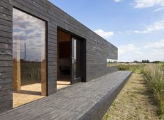 Stealth Barn is a Striking, Shadowy Guest House in the Cambridgeshire Fens Stealth Barn – Inhabitat - Green Design, Innovation, Architecture, Green Building Barn Pictures, Wood Cladding, Wood Siding, Stone Barns, Modern Barn, Old Barns, Sorrento, Black House, Inspired Homes