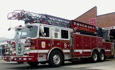 Pierce, Bladensburg (MD) Volunteer Fire Department and Rescue Squad, Inc., 100' Medium Duty Ladder.