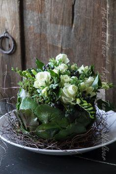 Love Flowers, Diy Flowers, Flower Decorations, Beautiful Flowers, Floral Flowers, Deco Floral, Arte Floral, Flores Diy, Pantone Greenery
