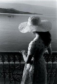 Collioure, 1955 - Photographed by Edouard Boubat -