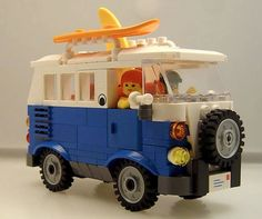 If the Little Man and I can't have a real hippie van, then we'll have to build one with Lego :-)