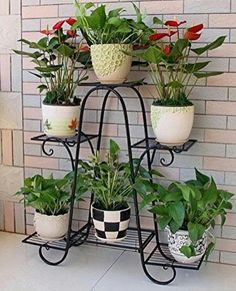 Cool Plant Stand Design Ideas for Indoor Houseplant 38 - Rockindeco Garden Deco, Garden Art, Garden Design, Balcony Garden, Succulents Garden, House Plants Decor, Plant Decor, Diy Plant Stand, Plant Stands