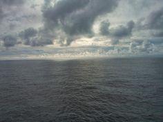Impressões de Viagens: Dia 3 da travessia marítima/ In the middle of the Atlantic Ocean