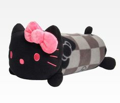 Hello Kitty Throw With Plush Pouch: Grid