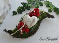 Christmas Wreaths, Ikebana, Holiday Decor, Home Decor, Flowers, Cemetery Flowers, Floral Arrangements, Decorating, Christmas Swags