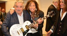 aerosmith se reune con Mujica Presidente de Uruguay --- The face of the President is unique!! --- and please stop to thin that they have the same age (more or less)