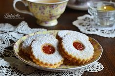 Gabriella kalandjai a konyhában :): A legomlósabb linzer Grubs, Christmas Baking, Cakepops, No Bake Cake, Fun Desserts, Baking Recipes, Cheesecake, Muffin, Food And Drink