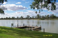looking across the Murray River at Waikerie Ferry crossing.........