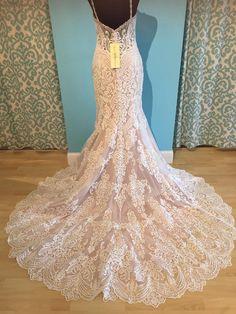 Allure Bridals 9452: modern lace wedding dress