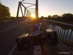 Motorradtour in den Sonnenuntergang Korn, Fair Grounds, Travel, Sunset, Pictures, Viajes, Destinations, Traveling, Trips