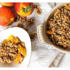 I <3 Walnuts Contest: You have to add this Peach Walnut Crisp recipe to your summer menu! 🍑 Recipe #ontheblog #ad @cawalnuts #thereciperedux