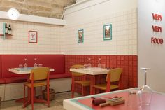 Pappa Won't Teach: the Bari restaurant that takes its diners back to the carefree joy of childhood. Retro Cafe, Vintage Cafe, Design Café, Store Design, Slate Floor Kitchen, Architecture Restaurant, Chinese Architecture, Bar Restaurant Design, Chinese Interior