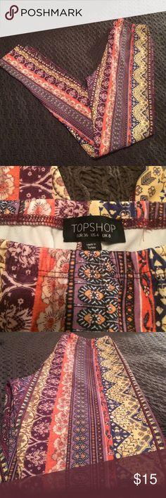 TopShop leggings Topshop leggings in a size 4. Bohemian type print, paisley and flowers. Never worn Topshop Pants Leggings
