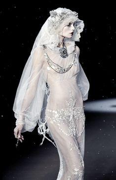 fairytale --John Galliano Fall 2009