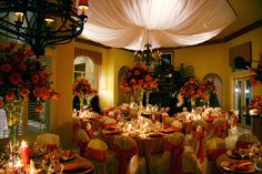 Gorgeous Christmas Wedding Decoration You Need To Try Modern Wedding Reception, Reception Party, Floral Wedding, Christmas Wedding Decorations, Wedding Reception Decorations, Wedding Ideas, Decor Wedding, Wedding Receptions, Wedding Stuff