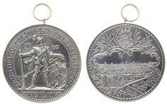 Schützen Silber Berlin - auf das 10. Deutsches Bundesschießen, Schütze in altdeutscher Tracht mit Büchse und Schild / Stadtansicht, v. La tragbare Medaille 1890 vz+