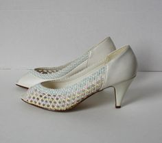 Vintage 1980s Peep Toe Pumps High Heel White Pastel Blue Pink Yellow Weave Size 8 American Glamour by TempleKatVintage on Etsy