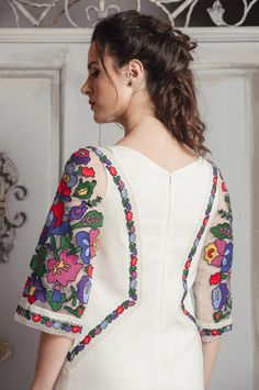 Neckline Designs, Kurti Neck Designs, Dress Neck Designs, Kurti Designs Party Wear, Stylish Dresses For Girls, Stylish Dress Designs, Simple Pakistani Dresses, Pakistani Dress Design, Frock Fashion