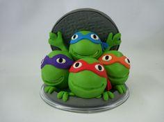 Topo de bolo Tartarugas Ninja. <br> <br>Produto sob encomenda. Consulte prazos de produ��o e envio. <br>Valor unit�rio. <br> <br>Material: biscuit