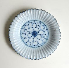 Flower Shaped Dish /Kimiko Kotouge 14001419 by Bluemics on Etsy