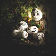 Koristele tyylikkäät mustavalkoiset kurpitsat halloweeniin Washi Tape, Marker, Work On Yourself, Christmas Bulbs, Shit Happens, Holiday Decor, Facebook, Blog, Inspiration