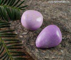 Kristálygyógyászat/Gyógyító kövek: Phosphosiderite (Foszfosziderit) 1 Fényörvény Crystal Healing Stones, Stones And Crystals, Crystals Minerals, Rocks And Minerals, Tumbled Stones, Pink Stone, Macro Photography, Natural Stones, Purple
