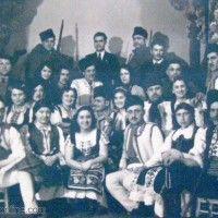 Участници в самодейна тетарална постановка в Кула- 1930 година