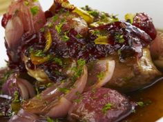 Carne de res en salsa de cebolla