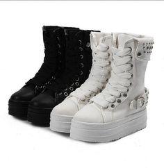 CLP $10616.20 New with box in Ropa, zapatos y accesorios, Calzado de mujer, Botas