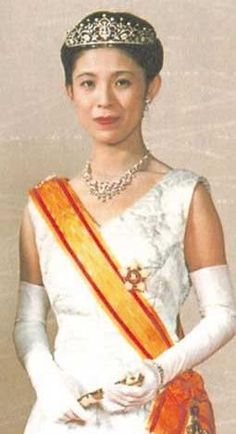 "Tottori Hisako (b. 1953). She is a daughter of Tottori Shigejirō and his wife, Tomoda Fumiko. She was ""Hisako, Consort of Imperial Prince Norihito"" (1984-2002) as the wife of The Imperial Prince Norihito of Japan The 1st Lord of Takamado. Her children are The Princesses Tsuguko, Noriko, and Ayako."