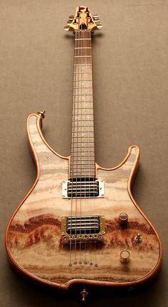 La Fanta1 par Zerberus Guitars. Retrouvez des cours de guitare d'un nouveau genre sur MyMusicTeacher.fr