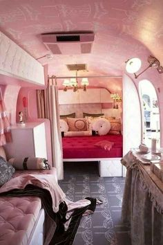 Refurbished pink interior of Airstream camper trailer for glamping in comfort & style Airstream Vintage, Airstream Bambi, Vintage Campers Trailers, Retro Campers, Vintage Caravans, Camper Trailers, Camper Van, Vintage Rv, Rv Campers