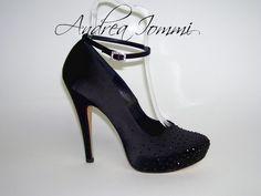 scarpa con cinturino alla caviglia, in raso nero con Swarovski hotfix jet. platform coperto 2 cm tacco 12 cm www.andreaiommi.it  #scarpe #heels #stiletto #fashion #satin #matrimonio #tacco12 #scarpesumisura #shoesonmesure #weddingshoes #bridalshoes #shoes