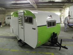 1959 SERRO SCOTTY 13FT. VINTAGE TRAVEL TRAILER CAMPER i like the p aint job