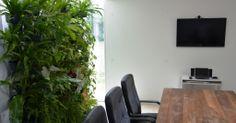 ECOPAREDE – Ecotelhado – This post is also available in: Inglês Por que optar pela Ecoparede em meu projeto? Os Jardins Verticais amenizam a falta de áreas verdes em nossas cidades, podendo ser instalado tanto internamente como do lado externo do prédio. . Benefícios: Confira os benefícios do Jardim Vertical: Colabora com a diminuição dos efeitos da emissão de carbono, atenuante da poluição do ar; Diminui a polui&c…
