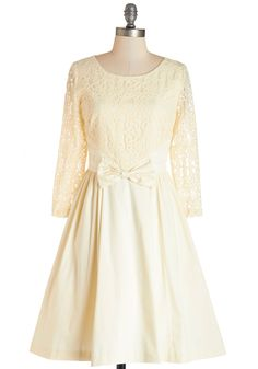 Be uniquely you in our variety of special occasion dresses at ModCloth! Dazzle in our women's dresses for special occasions in the styles you love! Vestidos Vintage Retro, Retro Vintage Dresses, Vintage Outfits, Ivory Dresses, Modest Dresses, Plus Size Dresses, Cream Dresses, Bridesmaid Dresses, Bridal Dresses