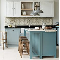 Want ideas for freestanding kitchens? Go for a stunning freestanding kitchen design for the ultimate in flexibility and variety Kitchen Tiles, New Kitchen, Kitchen Decor, Kitchen Hair, Aqua Kitchen, Kitchen Black, Kitchen Units, Kitchen Cupboards, Freestanding Kitchen