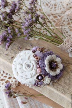 """Купить Брошь """"Первоцветы"""" - сиреневый, сиреневая брошь, белая брошь, в горошек, текстильная брошь"""
