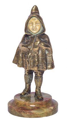 """GEORGES OMERTH (FRANÇA, 1895-1925). """"The Winter"""", escultura art deco em bronze dourado e marfim. Base em mármore verde rajado. Alt.: 15cm. Assinada. Artista citado no Benezit e com obras reproduzidas no Berman Bronze. Base R$700,00. Jul15."""