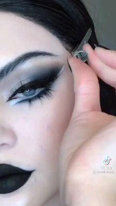 Goth Eye Makeup, Punk Makeup, Dope Makeup, Gothic Makeup, Eye Makeup Art, Crazy Makeup, Pretty Makeup, Skin Makeup, Makeup Inspo